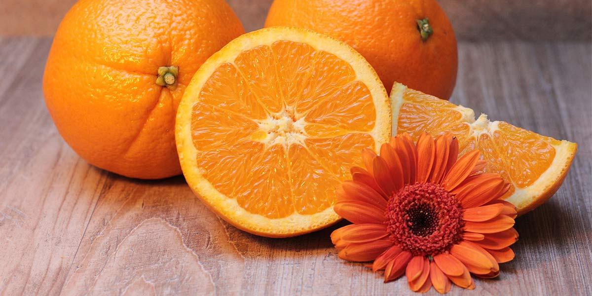 Vitamina C para o rosto de acordo com a idade- Dicas da Jaque